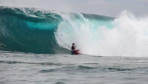 nusa-lembongan-waves-3