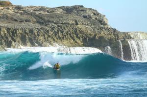 nusa-lembongan-waves-9